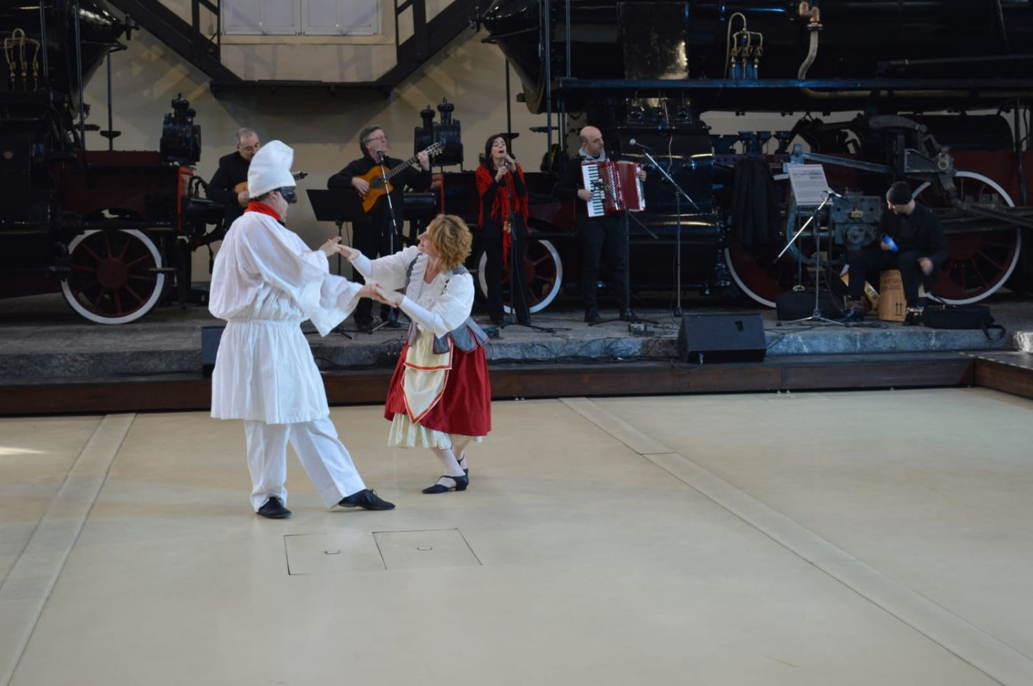 Naples Tour: Dance the Neapolitan Tarantella